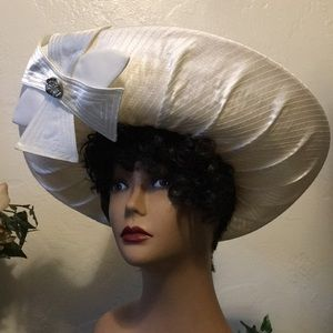 ML Studio Ivory Big Bow Straw Hat